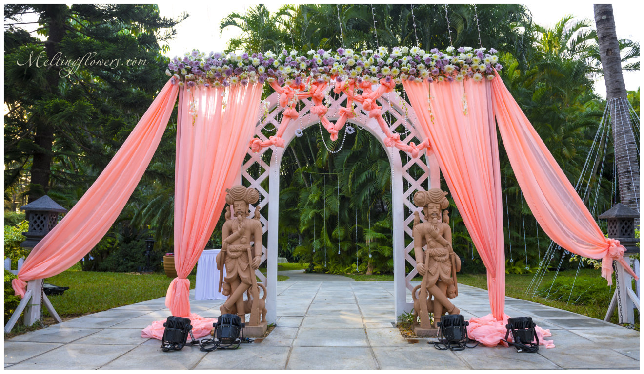 Plan and design wedding decorations for an exclusive for Marriage decoration photos