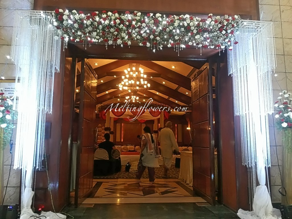 Ideas for decorating the entrance beautifully wedding decorations entrance decor junglespirit Image collections