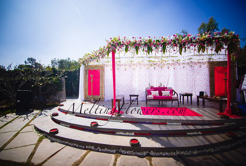 Reception Stage Decoration | Wedding In Bangalore, Marriage ...
