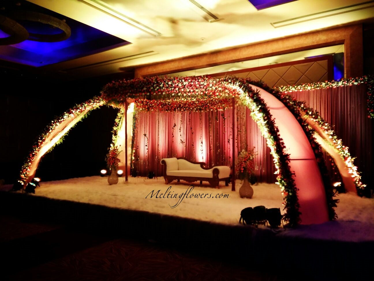 How to choose the perfect theme marriage decoration for for Different types of wedding decorations