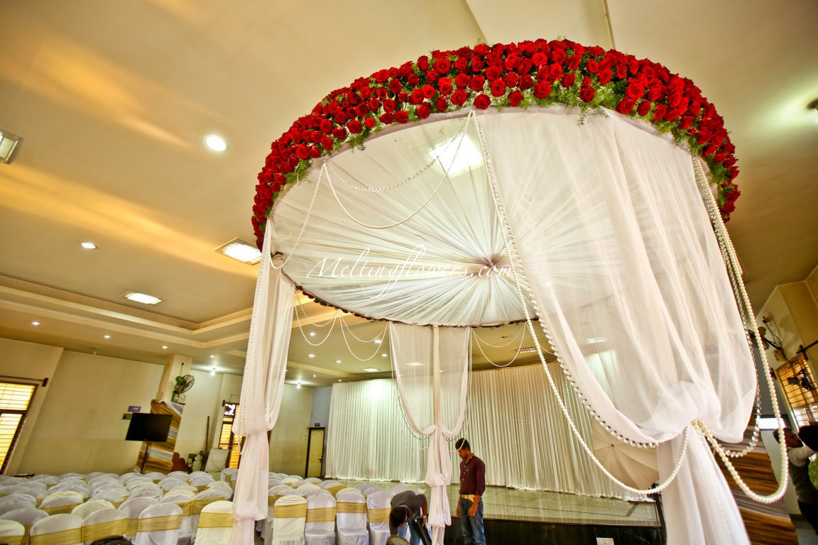 Indian muslim wedding d cor wedding decorations flower for Arab wedding stage decoration