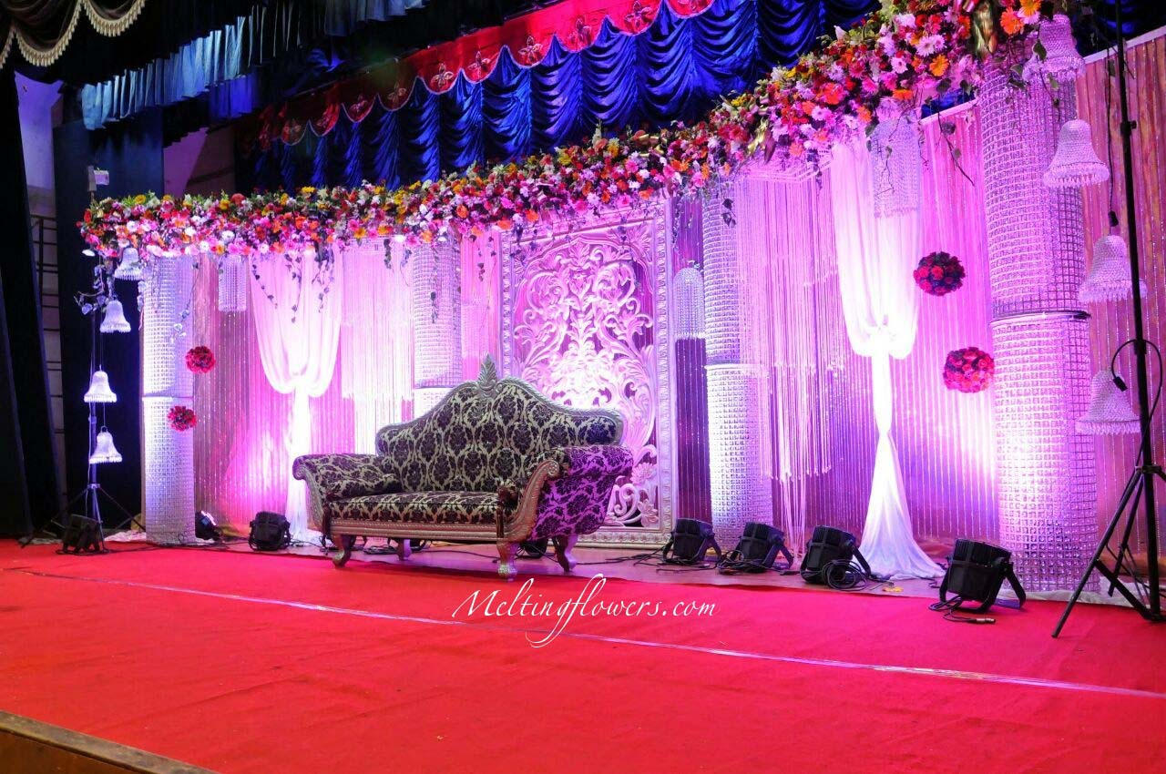 tips to make sure that setting up a reception stage decoration is not a hassle wedding. Black Bedroom Furniture Sets. Home Design Ideas