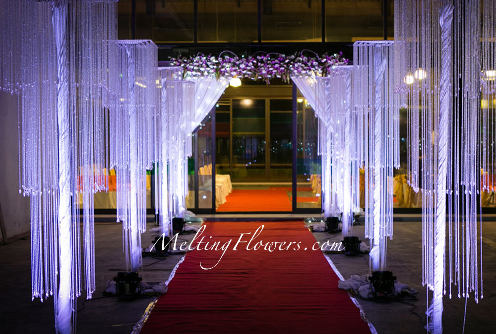 Creative Themes For Mehndi And Sangeet Decorations ...