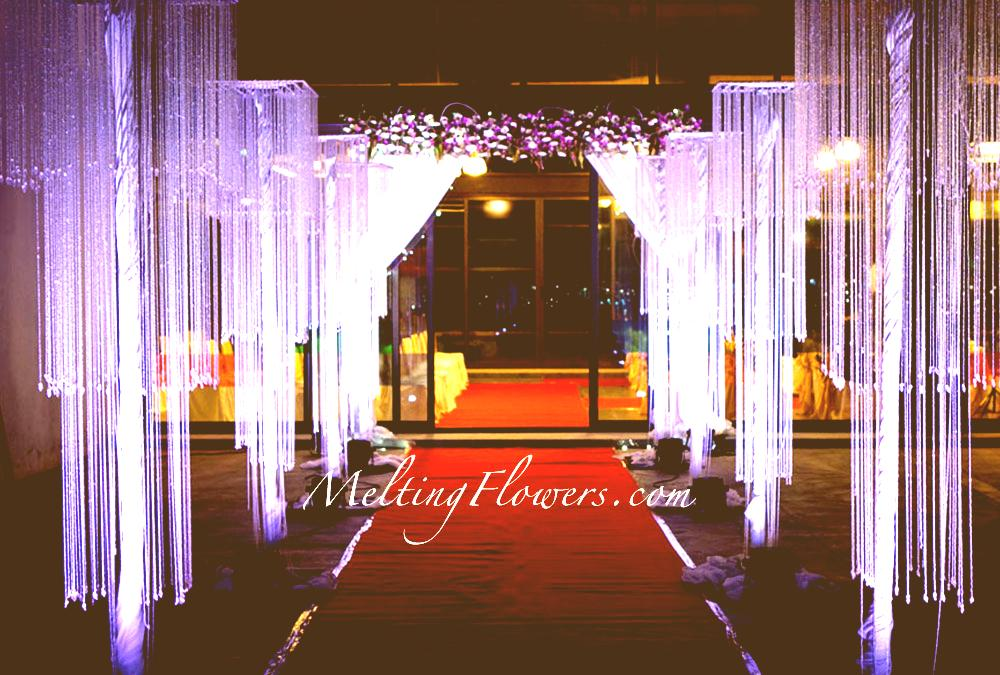 Best wedding entrance decoration ideas for your wedding venue wedding entrance decoration junglespirit Choice Image