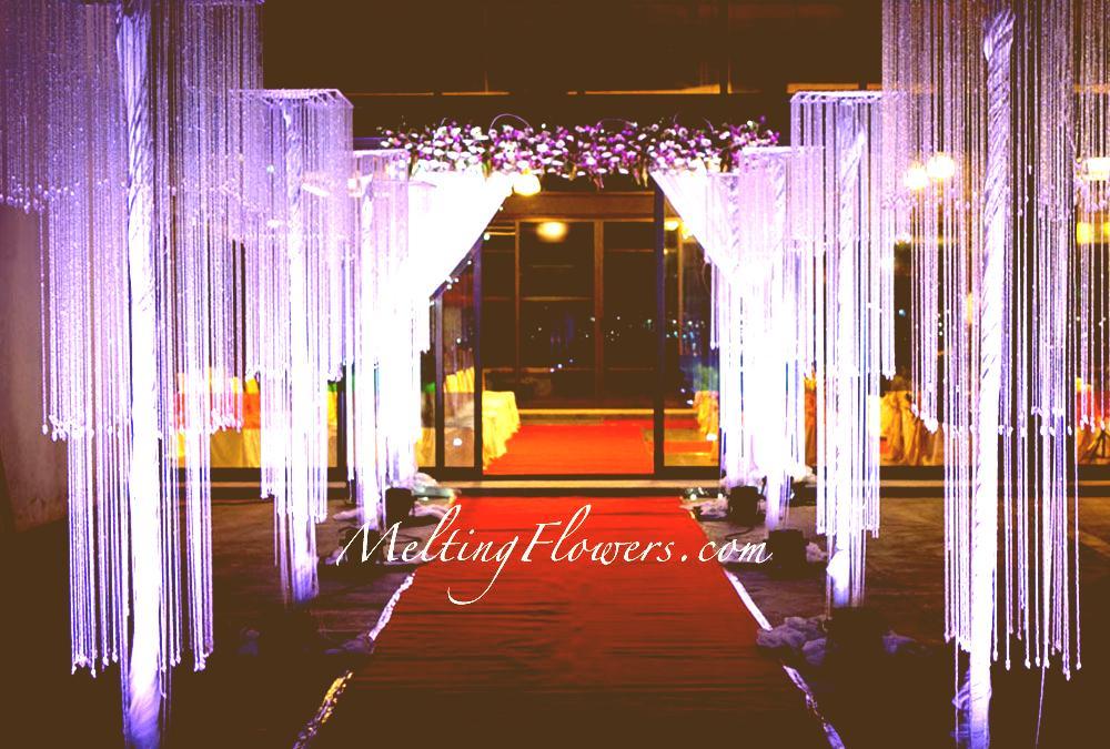 Best wedding entrance decoration ideas for your wedding venue wedding entrance decoration junglespirit Images