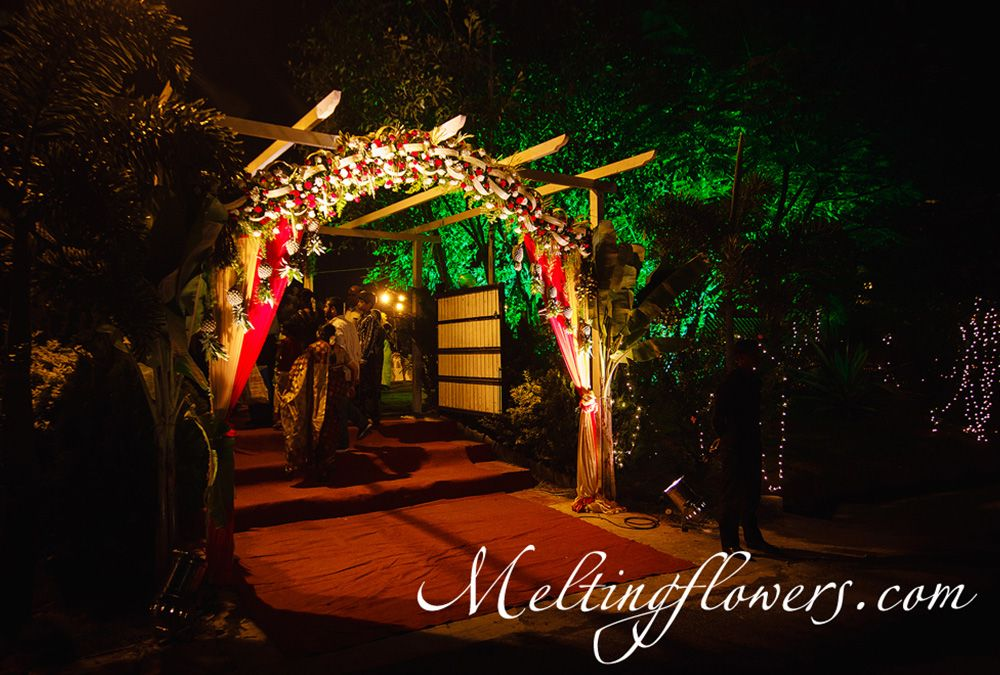 August ideas for the entrance and the pathway decorations wedding flower decoration junglespirit Images