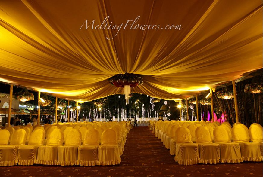 Enigmatic wedding decoration ideas with a golden tinge wedding wedding stage decoration junglespirit Gallery