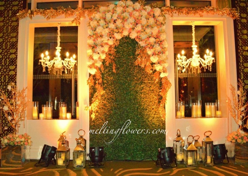 royally lit photo booth for wedding