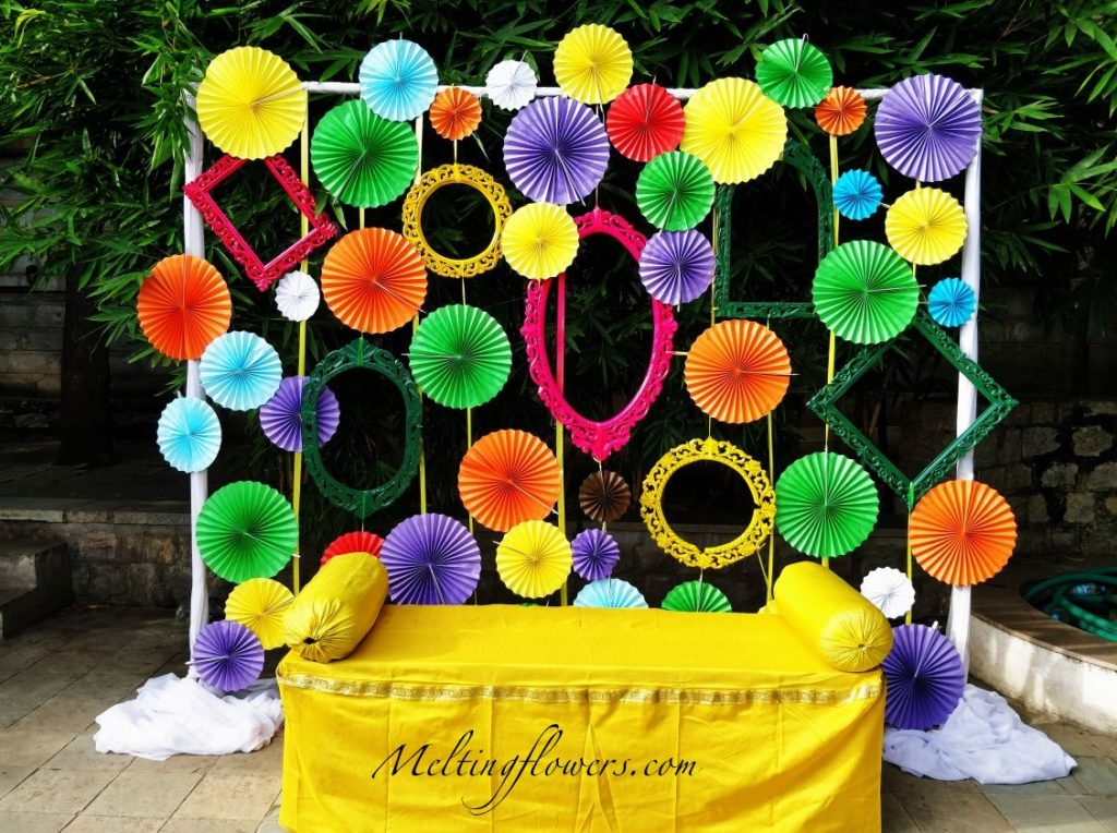 colorful photobooth for wedding