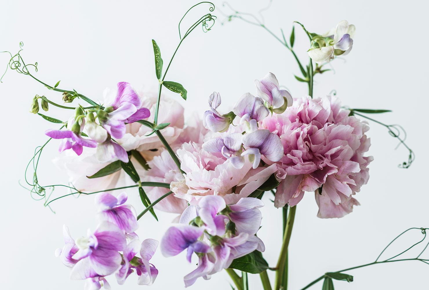 tropics-inspired wedding garlands