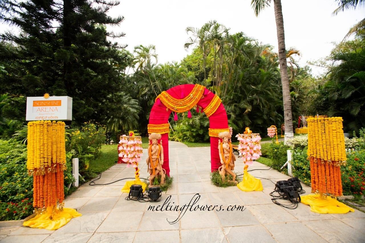 Marigold Flower Decoration For Wedding  from www.meltingflowers.com