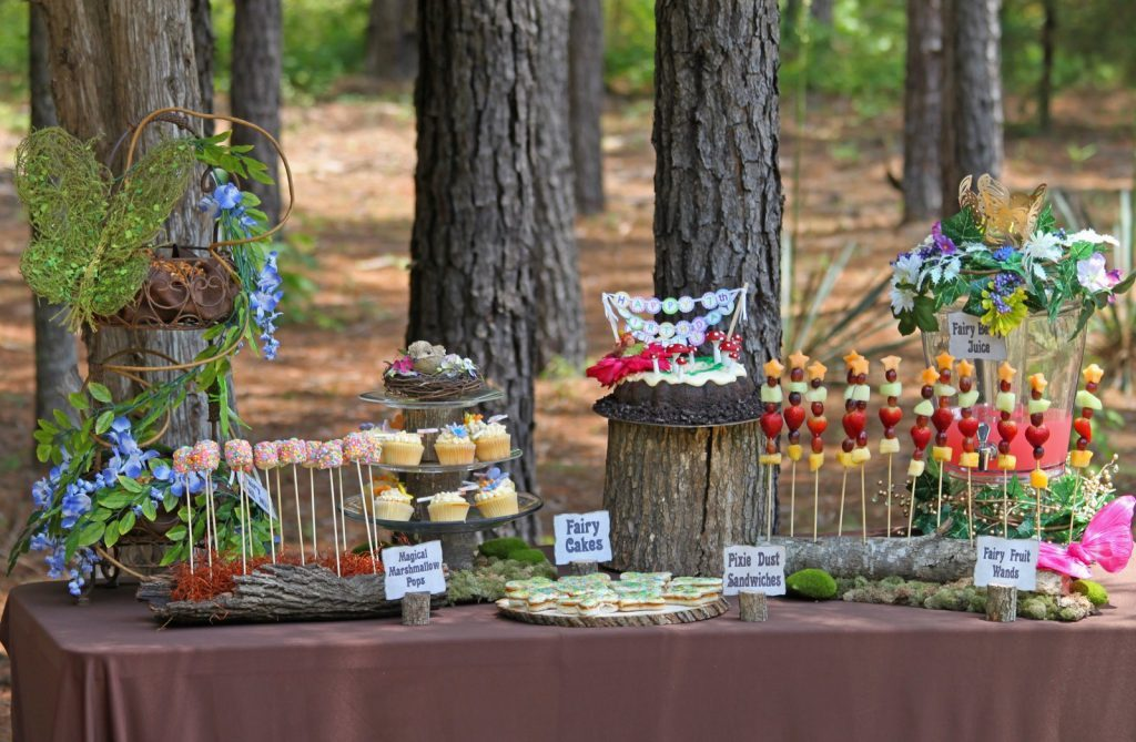 outdoor birthday decorations