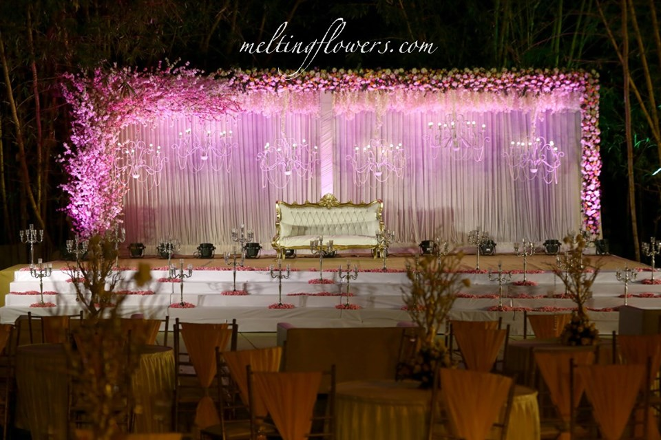Lit Up Wedding Backdrop Decorations