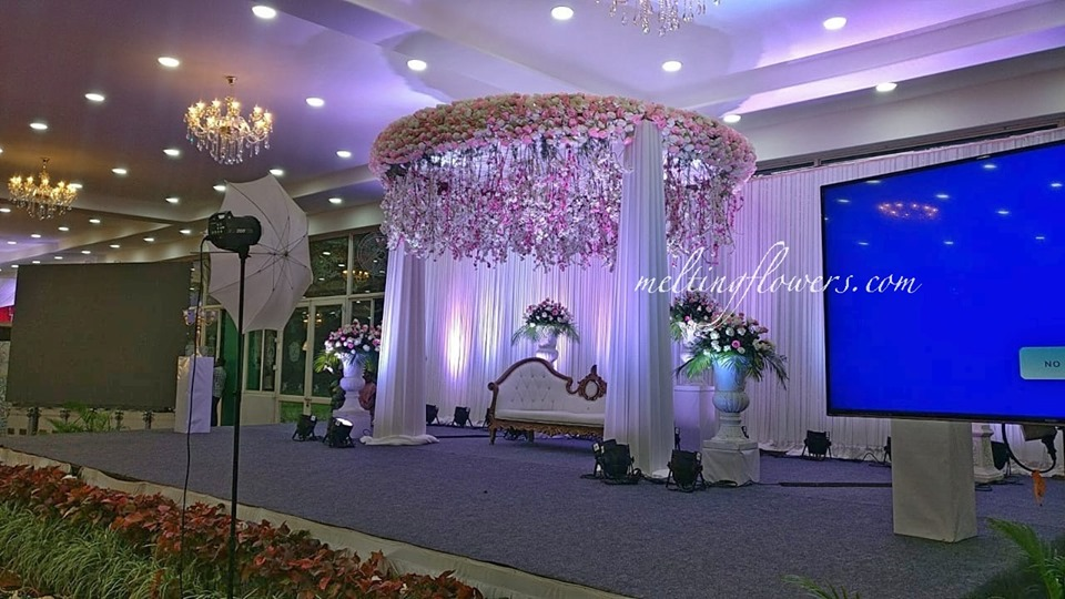 Floral Canopy Reception Stage Decoration