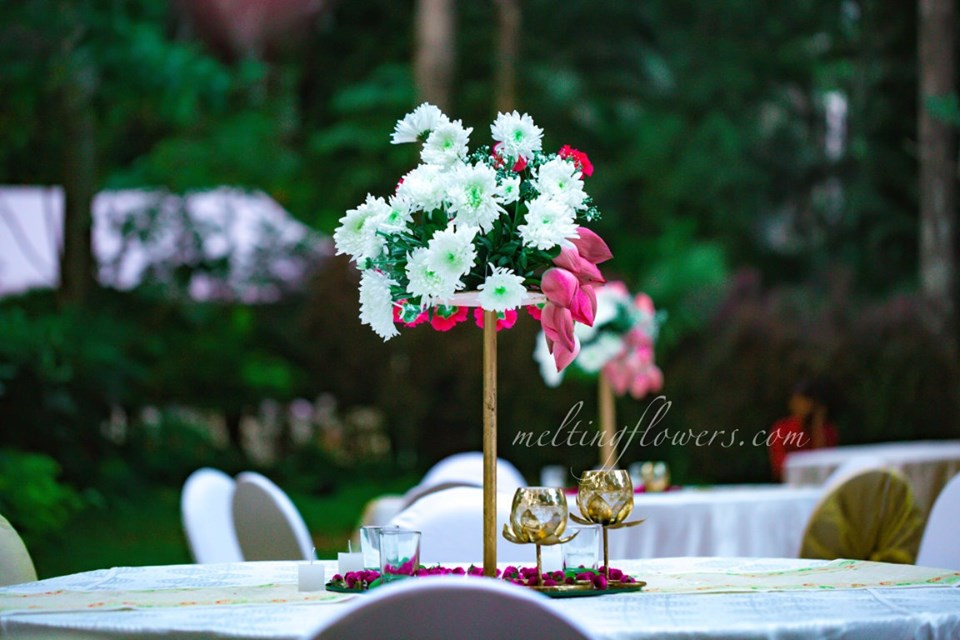 floral centerpiece for wedding