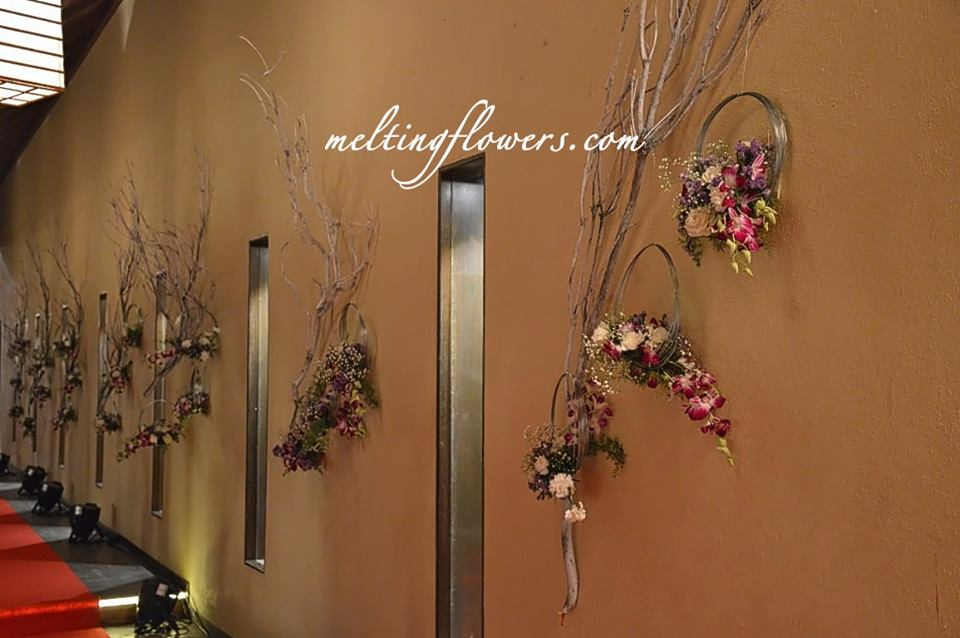 floral rings wall decor