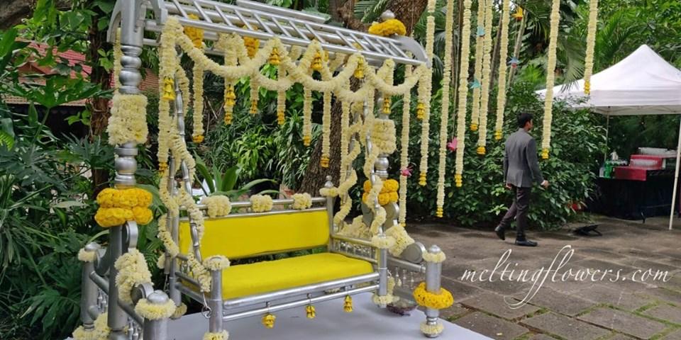 flower swing decor
