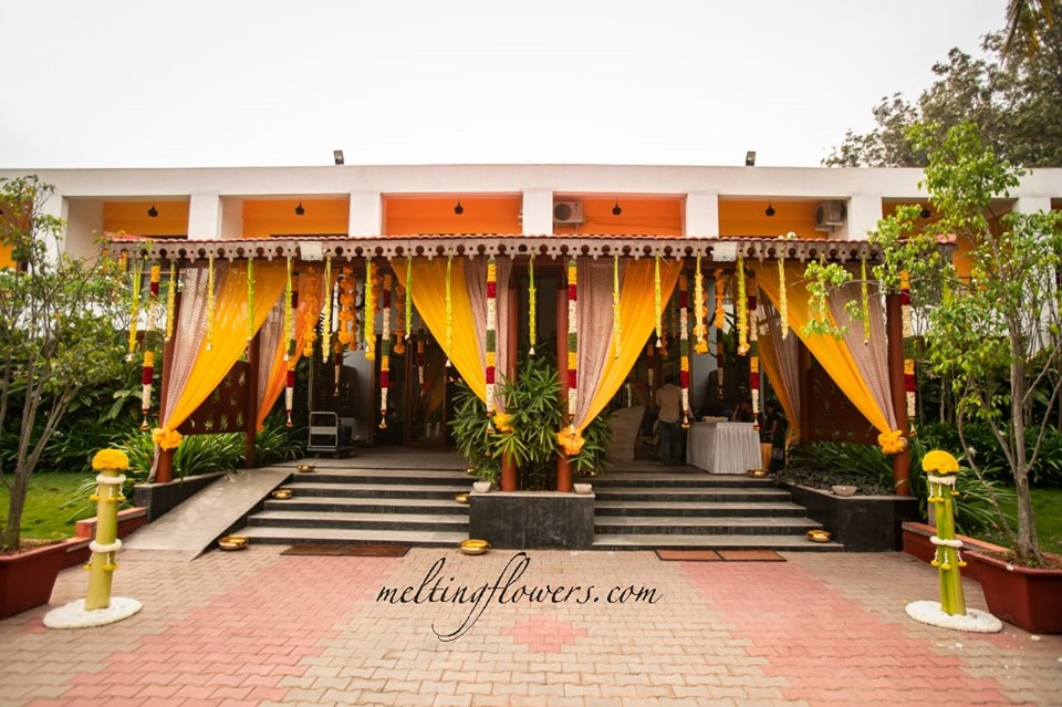 traditional entrance decoration
