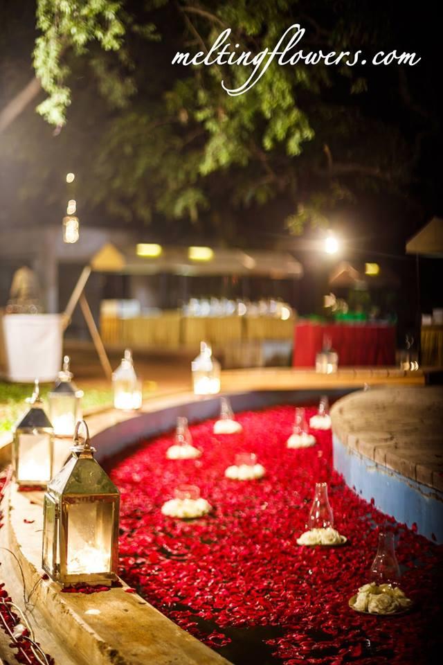 outdoor venue floral decor