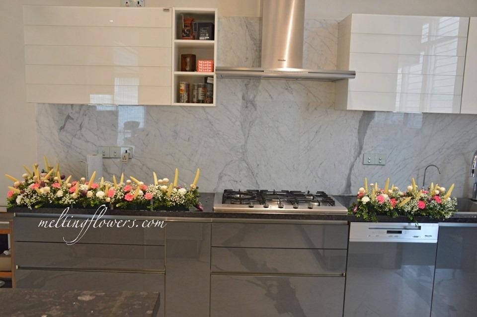 kitchen slab flower decor