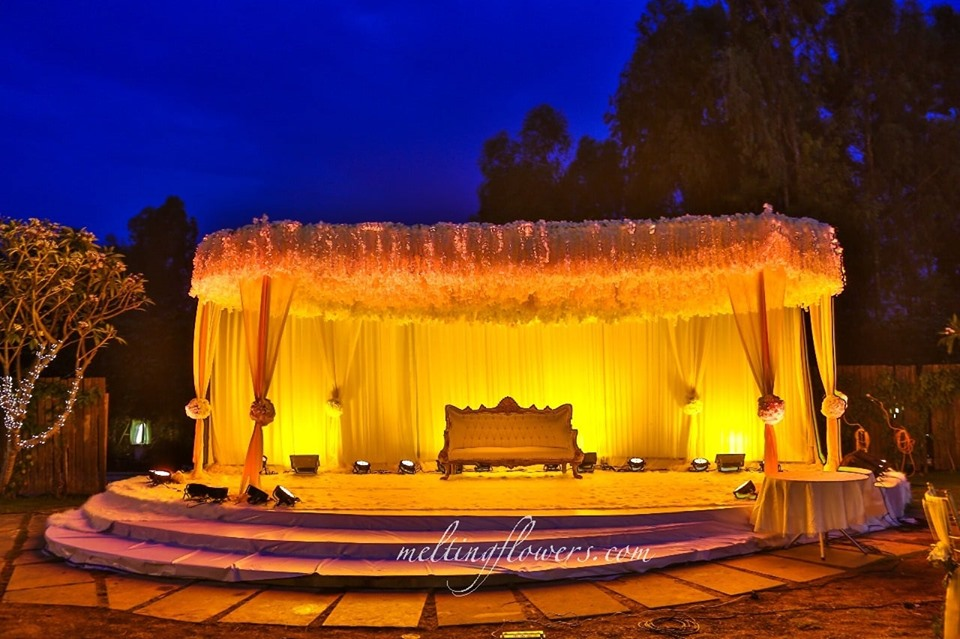 rustic wedding stage decorations