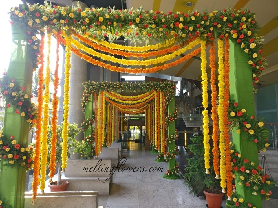 Wedding Decor For A Tantalizingly Traditional Ambiance   Wedding ...