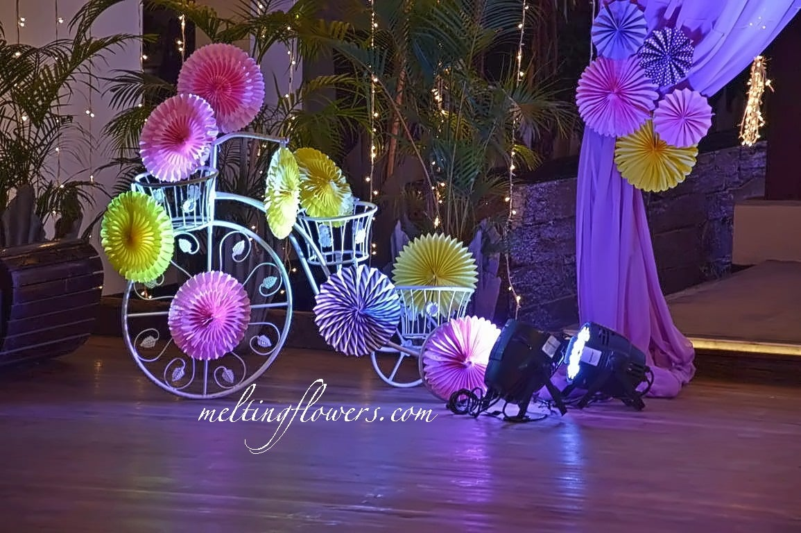 quirky wedding decor