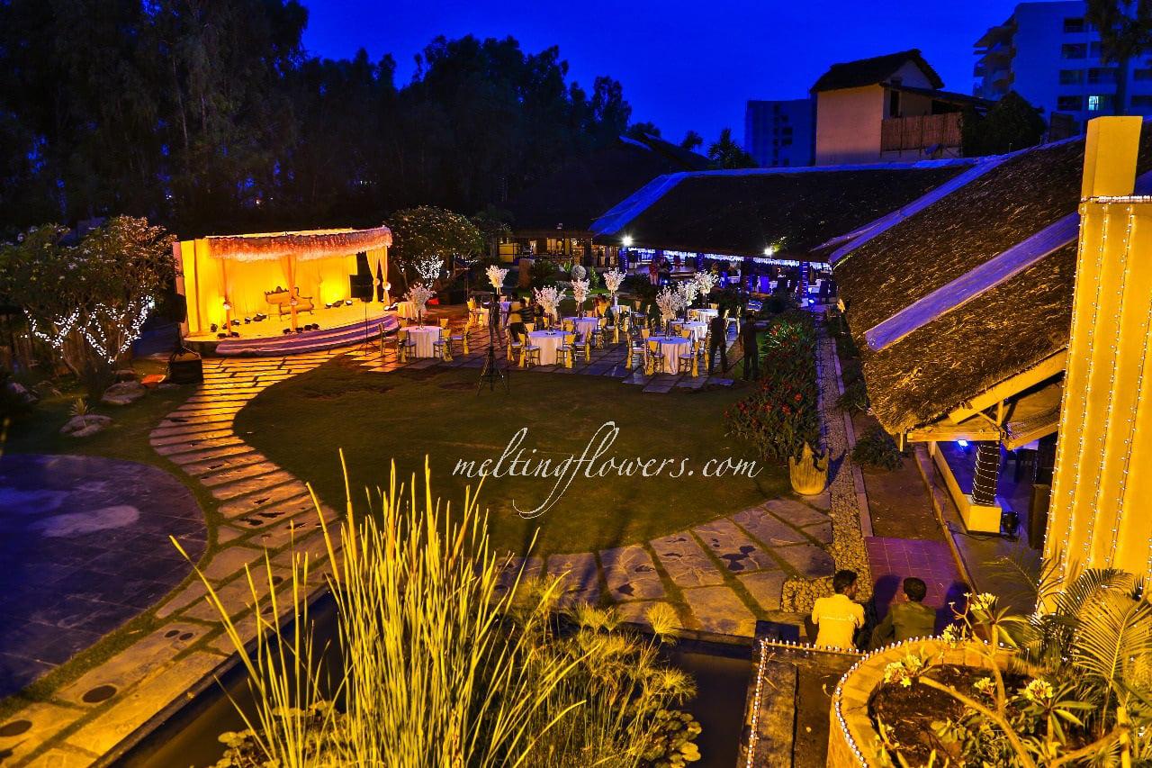 outdoor wedding venue decoration