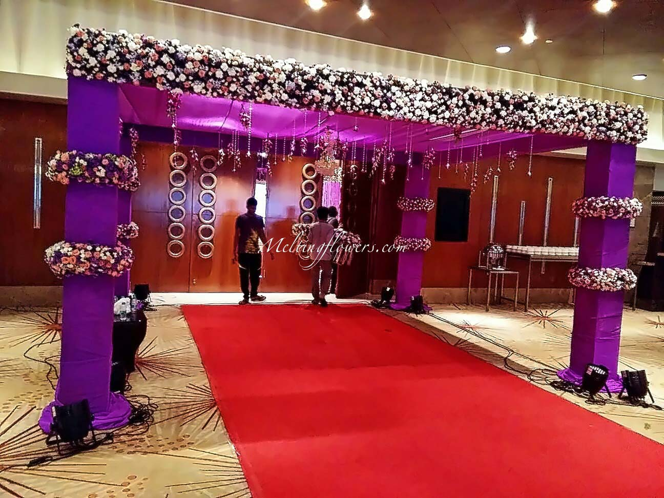 Wedding decoration pictures flower decoration for Gallery decoration