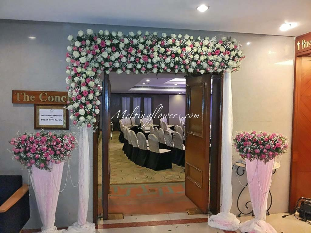 Wedding decoration pictures flower decoration for for Decorations for weddings at home