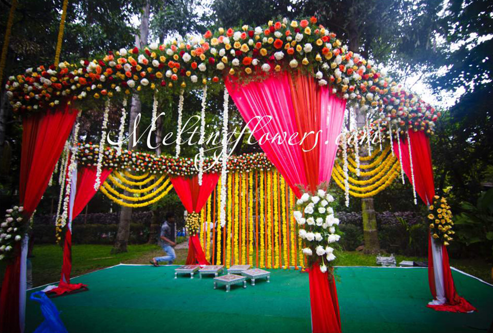 Mandap Decorations Wedding Mandap Mandap Flower Decorations Melting Flowers