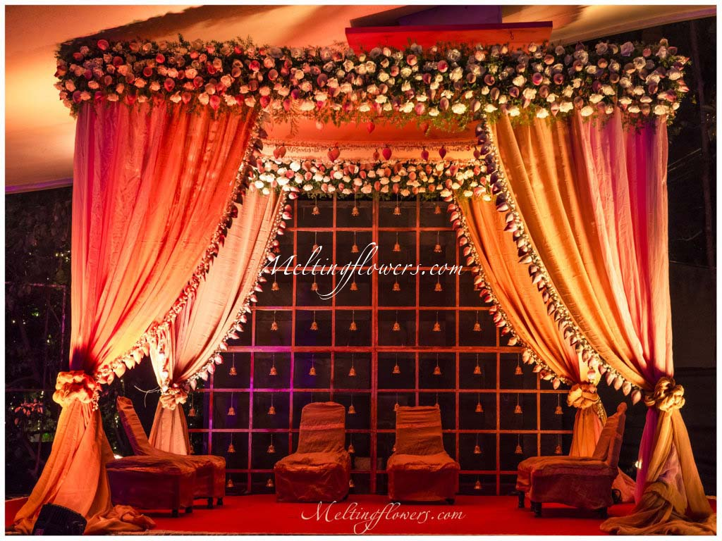 Mandap decorations wedding mandap mandap flower for Decorations for weddings at home