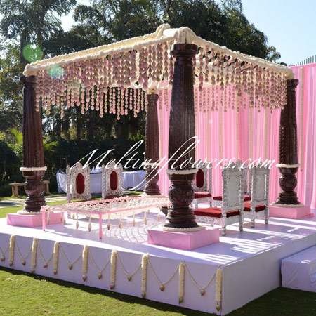Mandap Decoration – Melting Flowers